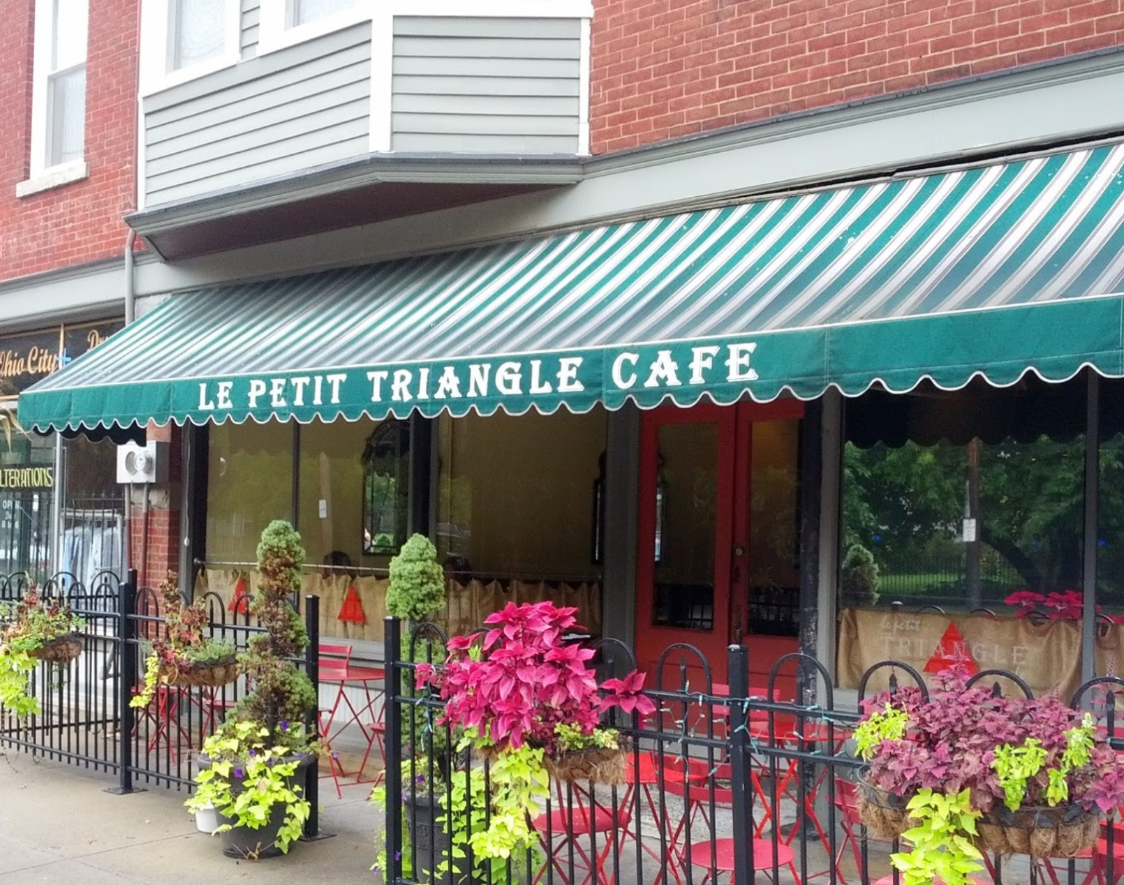 Le Petit Triangle Cafe - Fulton Road - Ohio City